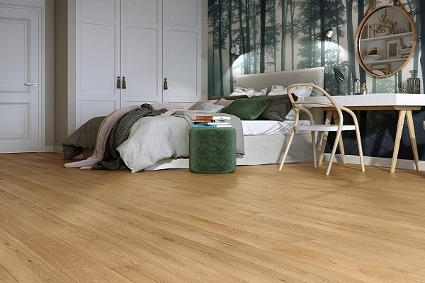 Rovere naturalizzato con effetto legno grezzo