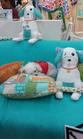 Joey the Shop Dog Kuscheltier Panel – Bild 7