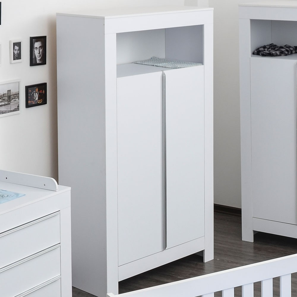 kleiderschrank 2 t rig felix in reinem wei baby m bel. Black Bedroom Furniture Sets. Home Design Ideas