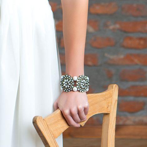 Armband Perlenblüte (creme-weiß) Bild 2