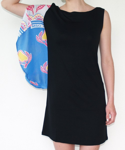 Nusu Dress schwarz / blau – Bild 1
