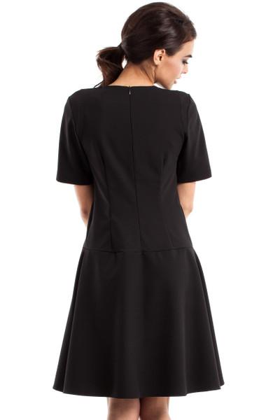 Clea Elegantes glockiges Kleid mit kurzen Ärmeln