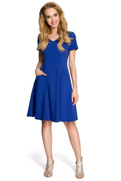 Clea Figurbetontes Kleid mit glockigem Rock und kurzen Ärmeln