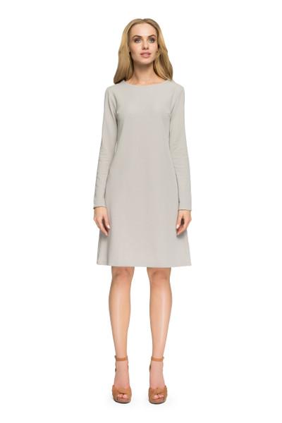 Clea Knielanges und A-förmiges Kleid