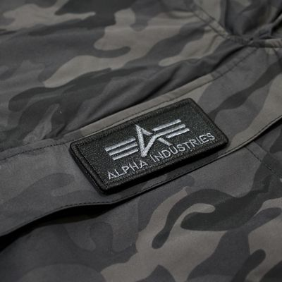 Alpha Industries LW Anorak Teflon Windbreaker black camo – Bild 3