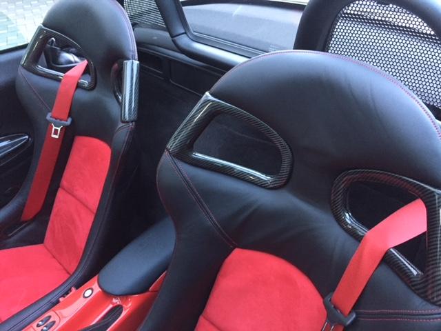 CARBON Sportsitz-Verkleidung oben, Gurtdurchführung, für 996-GT3-Optik Sportsitze
