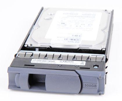 "NetApp DS4243 300 GB 15K SAS 3.5"" Hot Swap Festplatte - X410A-R5 – Bild 1"