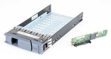 """NetApp DS4243 3.5"""" Hot Swap Festplatten-Rahmen - 111-00734+C0 / 0095673-10"""