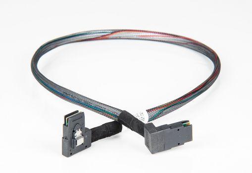 Amphenol SAS-Kabel / Cable SFF-8087 - 1x links gewinkelt, 1x oben geknickt, 75cm - RMS36-2695 – Bild 1