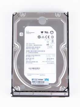 "HPE 4TB  6G 7.2K SATA 3.5"" LFF Hot Swap Festplatte / Hard Disk mit Low Profile Carrier - 797519-001 / 797265-B21 – Bild 7"