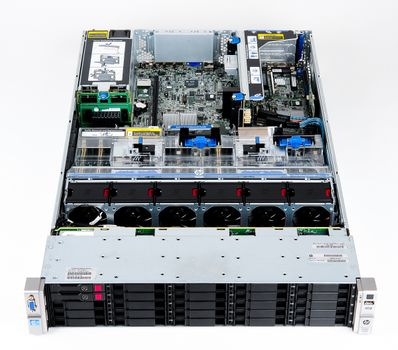 HP ProLiant DL380p Gen8 Storage Server 2x Xeon E5-2680 8-Core 2.70 GHz, 16 GB DDR3 RAM, 2x 300 GB SAS 10K – Bild 7