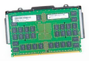 IBM 16GB 2P4Rx8 PC3-8500R DDR3 Registered Server-RAM Modul REG ECC - 45D8418