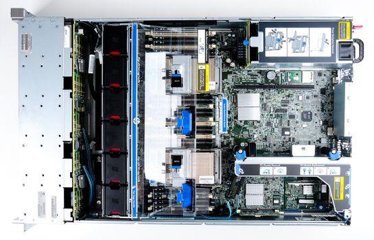 HP ProLiant DL380p Gen8 Storage Server 2x Xeon E5-2690 8-Core 2.90 GHz, 16 GB DDR3 RAM, 2x 300 GB SAS 10K – Bild 9