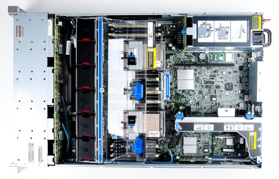 HP ProLiant DL380p Gen8 Storage Server 2x Xeon E5-2637 Dual Core 3.00 GHz, 16 GB DDR3 RAM, 2x 300 GB SAS 10K – Bild 9