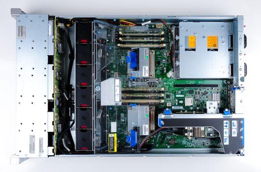 HP ProLiant DL380e Gen8 Storage Server 2x Xeon E5-2440 Six Core 2.40 GHz, 16 GB DDR3 RAM, 2x 300 GB SAS 10K – Bild 9