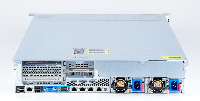 HP ProLiant DL380e Gen8 Storage Server 2x Xeon E5-2403 Quad Core 1.80 GHz, 16 GB DDR3 RAM, 2x 300 GB SAS 10K – Bild 7