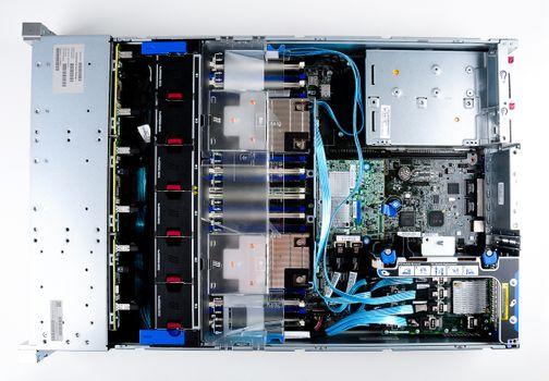 HPE ProLiant DL380 Gen9 V4 Server 2x Xeon E5-2680v4 14-Core 2.40 GHz, 16 GB DDR4 RAM, 2x 300 GB SAS 10K – Bild 9