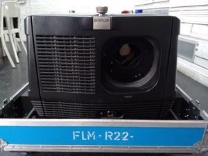 Barco FLM R22+ – image 1