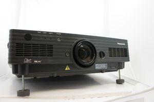 Panasonic PT-D5600E – image 1