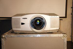 Sanyo PLC-XF45 – Bild 3