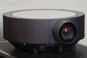 Sony VPL-FH300L – image 5