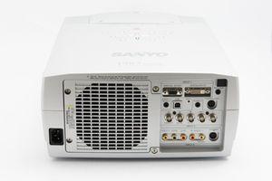 Sanyo PLC-XP56 – image 5