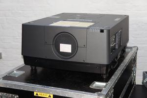 Panasonic PT-EX16K Projektor 3LCD 16000 ANSI Lumen – Bild 2