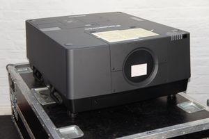 Panasonic PT-EX16K Projektor 3LCD 16000 ANSI Lumen – Bild 1