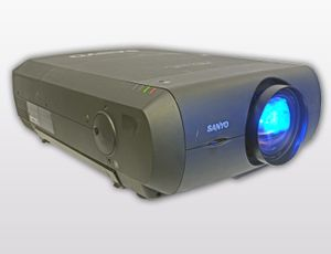 Sanyo PLC-XF47 – Bild 1
