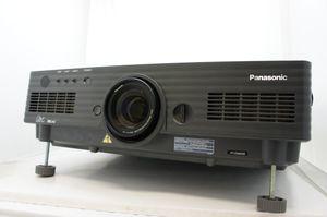 Panasonic PT-D5600E – image 3