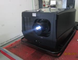 Barco HDF W30 Flex Projektor – Bild 1