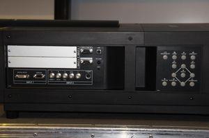 Sanyo PLC-XF70 – image 2
