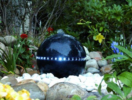 Ubbink® Wasserspiel Dubai - Terrazzo-Kugel mit umlaufender LED Beleuchtung Gartenbrunnen