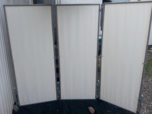 in und outdoor paravent flexi 3 inkl 4x erdanker 2x extra standrohr fester stand windigen lagen. Black Bedroom Furniture Sets. Home Design Ideas