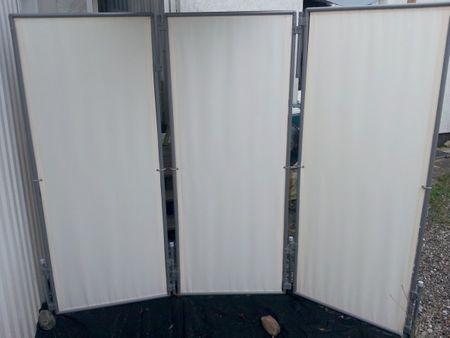 In- und Outdoor Paravent Flexi 3 inkl. 4x Erdanker,  2x Extra-Standrohr fester Stand windigen Lagen