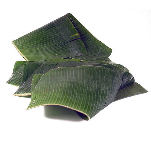 Bananenblätter, ganze Blätter, gefaltet, frisch, 1 kg, ca.9 St
