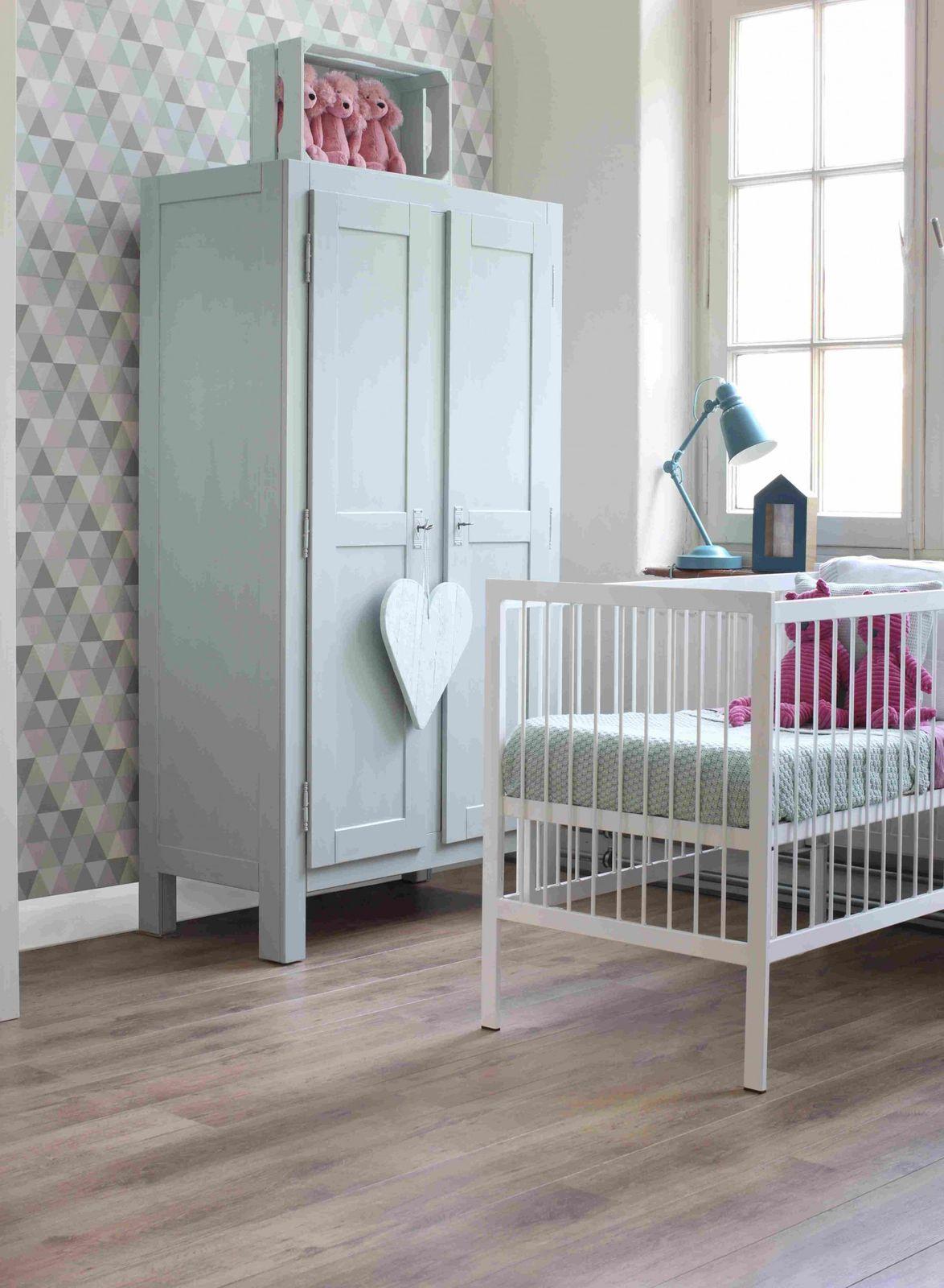 tapete vlies dreiecke gr n grau rosa everybody bonjour 128706. Black Bedroom Furniture Sets. Home Design Ideas