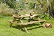 Gartengarnitur aus Holz