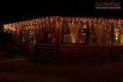 Mit Eisregen-Lichtekette, LED warmweiß beleuchtet