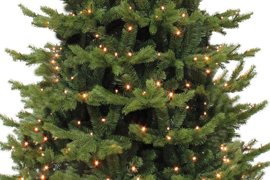 Künstlicher Weihnachtsbaum Mit Beleuchtung.Künstlicher Tannenbaum Mit Beleuchtung