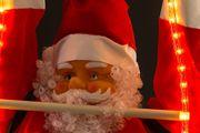 B-Ware: Weihnachtsmann 240/120 cm auf Leiter mit LED