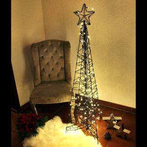 Weihnachtsbaum Künstlich Aussen.Künstliche Weihnachtsbäume Mit Led Lichtereketten Gartenpirat De