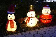 Schneemann mit Freunde im Garten, beleuchtete Figuren