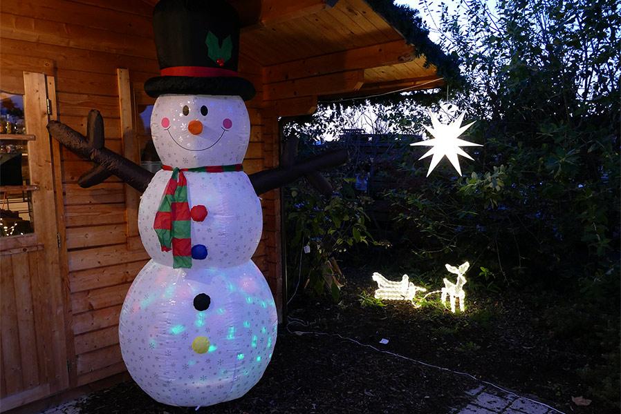 Weihnachtsbeleuchtung Schneemann Außen.Schneemann Mit Mit Gebläse