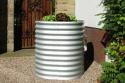 Tonne aus Aluminium für Blumen oder als Hochbeet