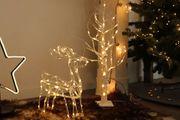 Deko Baum und Rentier beleuchtet für Weihnachten