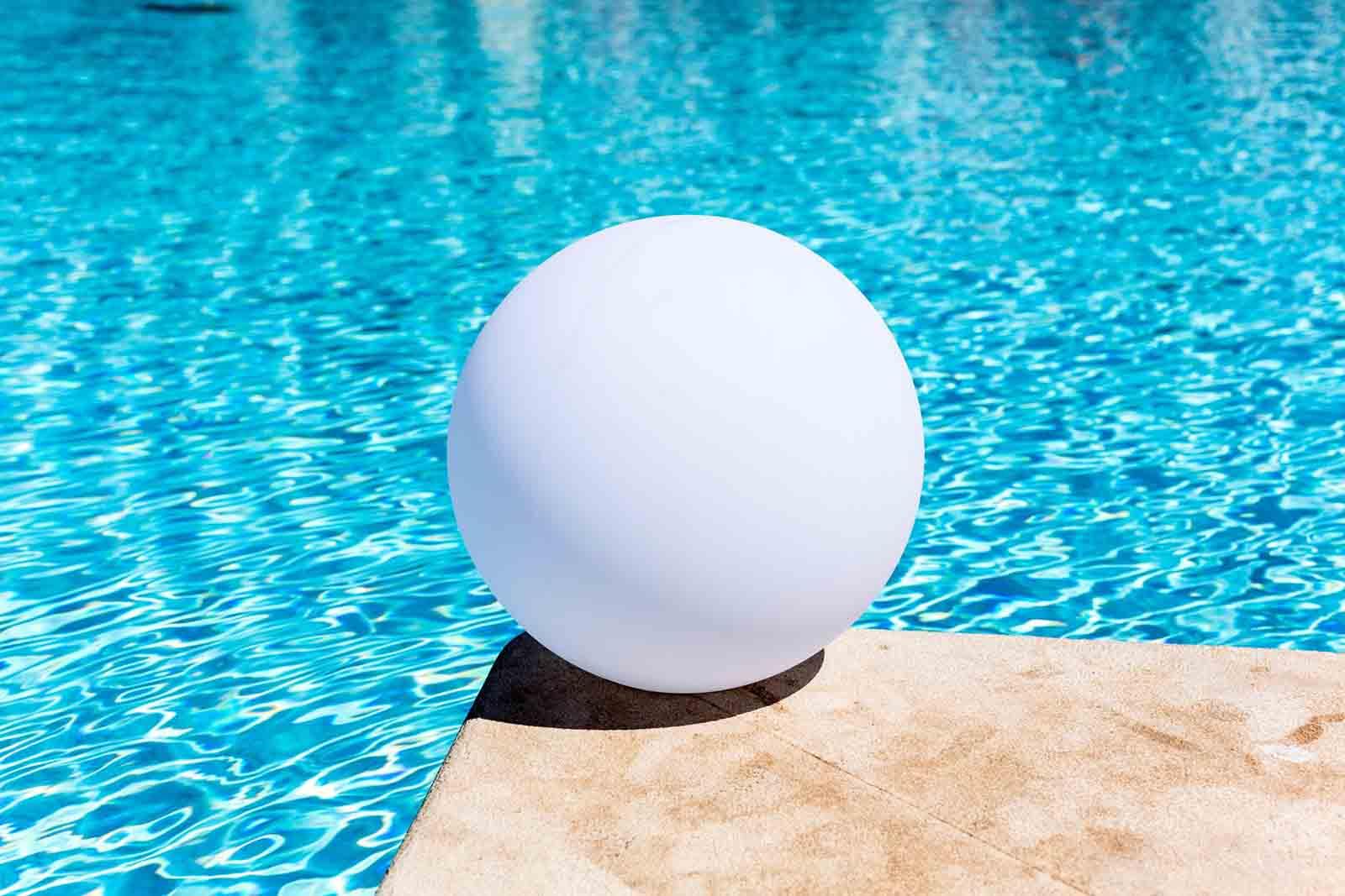 Kabellose Leuchte Globe D50 cm IP 68 schwimmfähig App Control