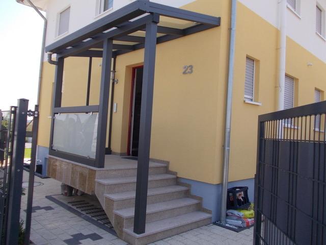 Pultdach für den Eingang