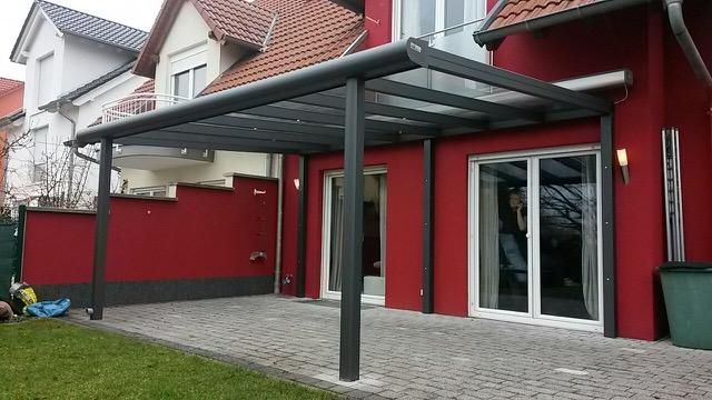 Pultdach mit eingerückten Stutzen