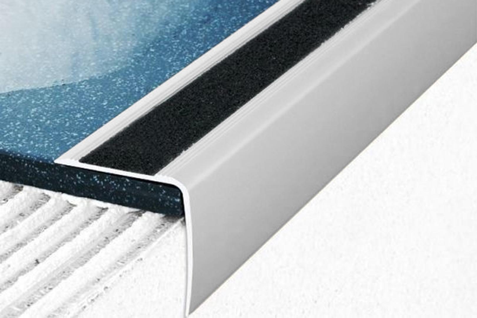 1,2 Meter | Eckprofile | Alu | eloxiert | Anti-Rutsch | Effector | 35x35mm | A43